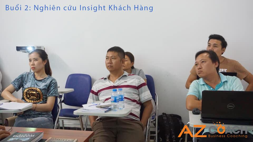 Song song đó, Chuyên gia Nguyễn Thành Trực cũng nhấn mạnh vào việc xây dựng thương hiệu cá nhân trên Facebook để giúp các bạn học viên định hình được tư duy kinh doanh đánh thẳng vào tâm lý khách hàng là yếu tố rất quan trọng.
