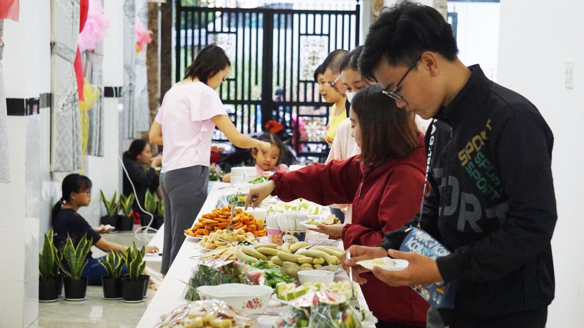 buffet bánh dân gian Cần Thơ